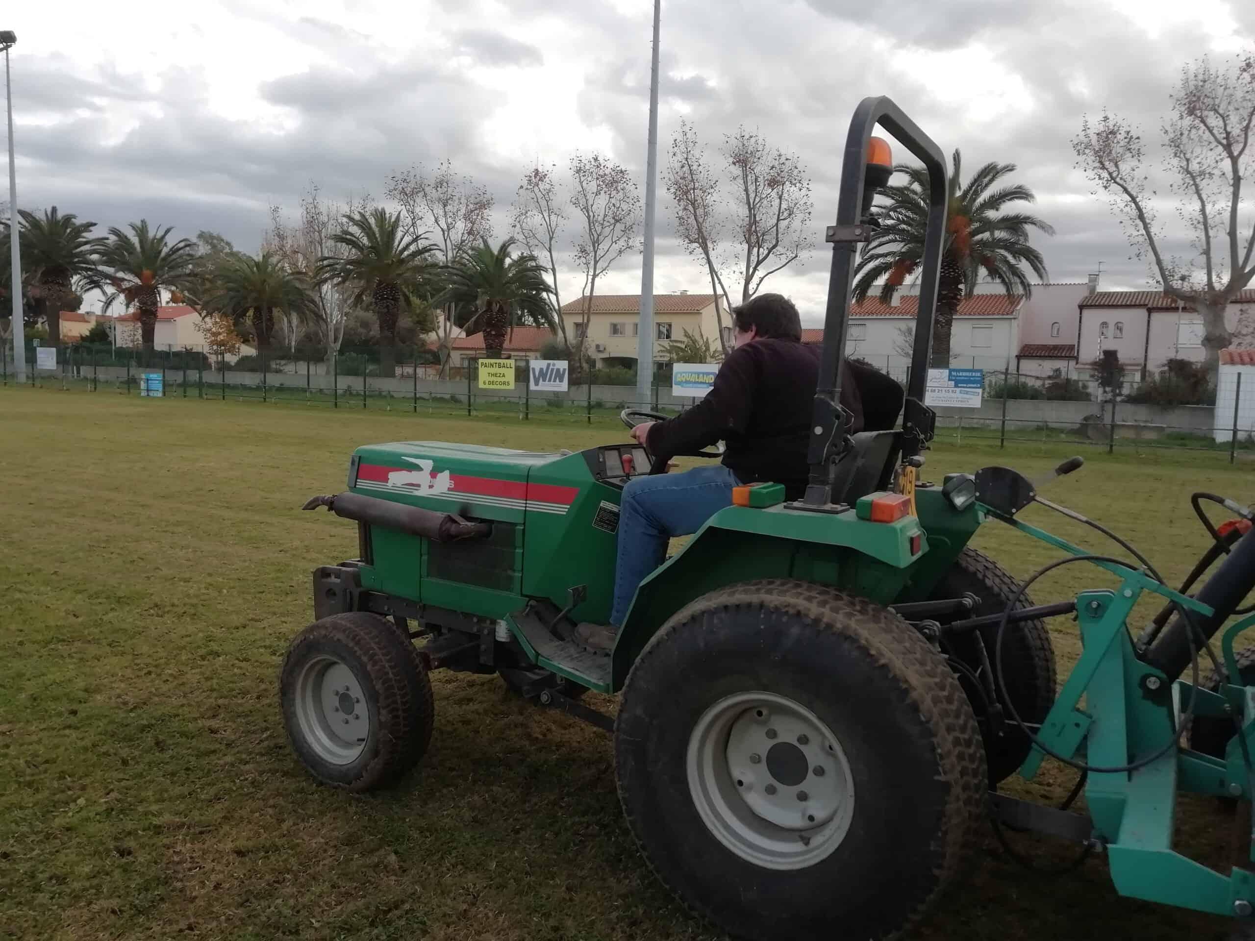 Entretien stade - Arnaudies Paysagiste